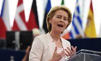 U. von der Leyen oficialiai tapo pirmąja moterimi EK pirmininke