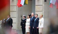 G. Nausėdos vizitas Lenkijoje: pakvietė bankus į Lietuvą, pareiškė paramą ginče su Briuseliu