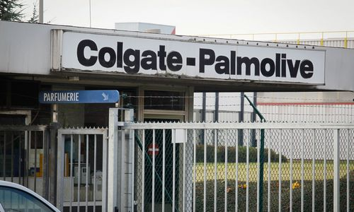 """""""Colgate"""" už 1,5 mlrd. Eur perka odos priežiūros verslą"""