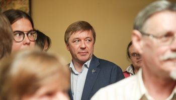 Nepasitikėjimas Seimovadovu atidedamas,galbūt iki rudens