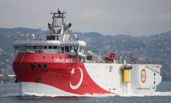 Į ES sankcijas Turkija ketina atsakyti siųsdama prie Kipro ketvirtą laivą