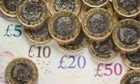 "Svarui prognozuoja paritetą su doleriu ""Brexit"" be sutarties atveju"