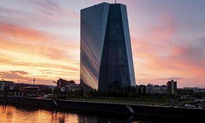 """Europa neigiamų palūkanų spąstuose: kyla rizika """"pavirsti"""" Japonija"""