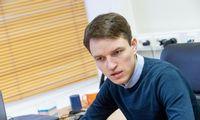 Politologas: į valdžią Ukrainoje ateis žmonės, sudrumsiantys vandenį