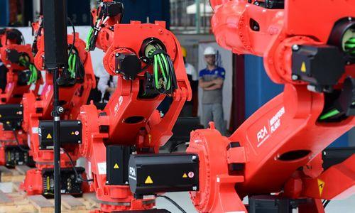 JK perkvalifikuos darbuotojus, iš kurių darbus atėmė robotai