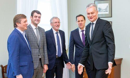 Prezidentas nori, kad R. Karoblis, V. Šapoka ir V. Sinkevičius liktų