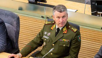 Naujasis kariuomenės vadas – prieš privalomą moterų šaukimą