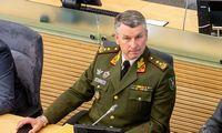 Naujasis kariuomenės vadas sieks ankstinti naujų šarvuočių, artilerijos sistemų pirkimus