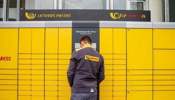 Nuostolingą bendrovę prisijungęs Lietuvos paštas suerzino konkurentus