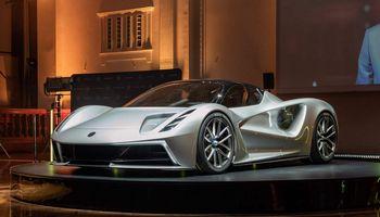 """Naujas """"Lotus"""": elektra, 1.900 """"arklių"""" ir 2 mln. USD kaina"""