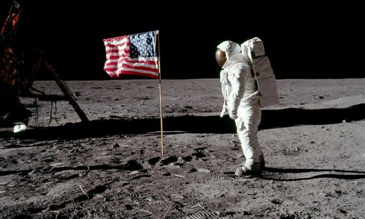 """""""Apollo 11"""" misija ligi šiol vadinama ir didžiausiu melu, ir pasididžiavimo šaltiniu"""