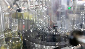 """""""Anykščių vynas"""" baigia modernizaciją: už 0,6 mln. Eur įrengta nauja linija"""