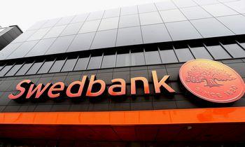 """Švedų tyrimas: nerezidentų aptarnavimas atskleidžia tikrąjį """"Swedbank"""" veidą"""