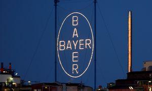 """""""Bayer"""" už 585 mln. USD pardavė pėdų priežiūros prekės ženklą """"Dr. Scholl's"""""""