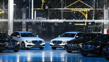 """Kinai perima dar 5% """"Daimler"""" akcijų"""