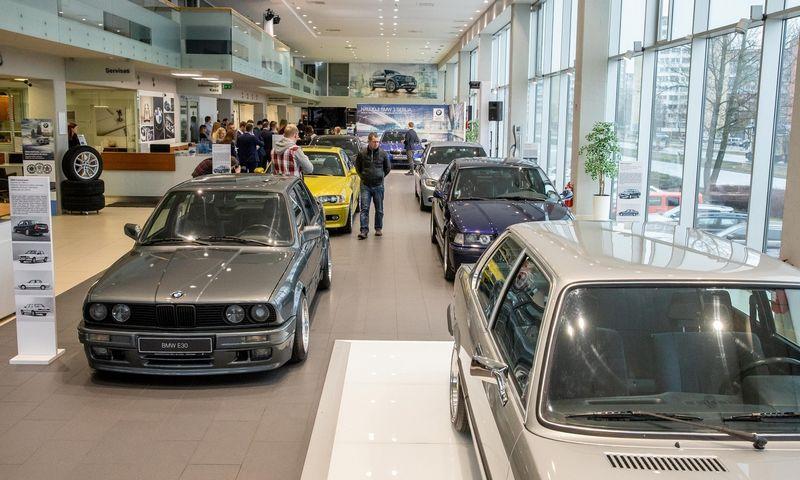 Automobilių taršos standartai tiesiogiai susiję su jų amžiumi. Juditos Grigelytės (VŽ) nuotr.