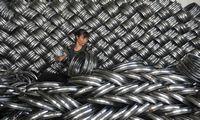 JAV stiprinaplieno gamintojus, ES kalbama apie egzistencinę sektoriaus krizę