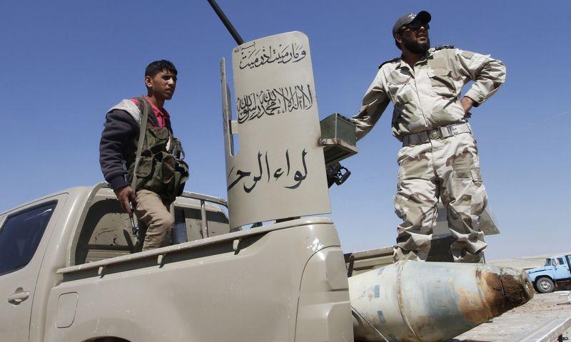 "Karas Sirijoje. Hamido Khatibo (""Reuters"" / "" Scanpix"" ) nuotr."