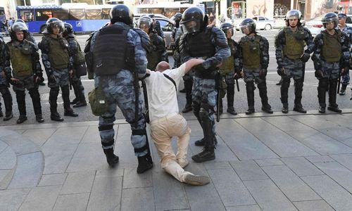 Maskvoje per protestą sulaikytaapie 1.400 žmonių