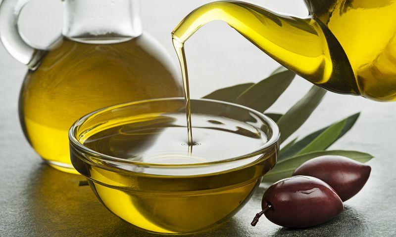 """Vidutinė graikų šeima sunaudodavo apie 300 litrų alyvuogių aliejaus per metus. """"Matton"""" nuotr."""
