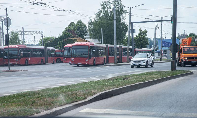 Autobusai Kauno geležinkelio stotyje. Juditos Grigelytės (VŽ) nuotr.