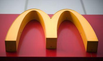 """Ekologiškų """"McDonald's"""" popierinių šiaudelių neįmanoma perdirbti"""