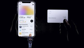 """""""Goldman Sachs"""" vartotojams JAV pradeda siūlyti """"Apple"""" korteles"""