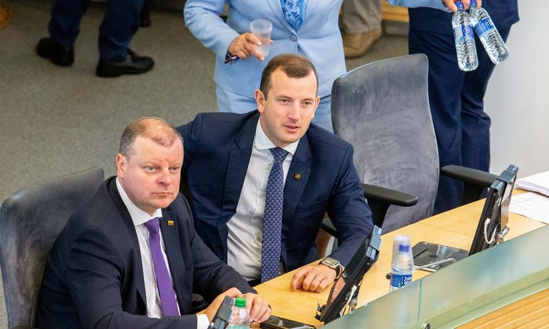 Seimas rugpjūčio pabaigoje balsuos dėl Virginijaus Sinkevičiaus (dešinėje) delegavimo į Europos Komisiją. Juditos Grigelytės (VŽ) nuotr.