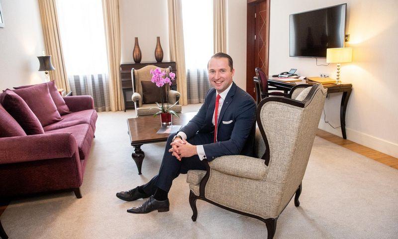 """Kai Schukowski, viešbučio """"Grand Hotel Kempinski Vilnius"""" generalinis direktorius, sako, kad geriausias vadovavimas – paremtas asmeniniu pavyzdžiu. Juditos Grigelytės (VŽ) nuotr."""
