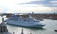 Europos kurortai kratosi kruizinių laivų
