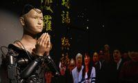 Budistų šventykloje pamokslus sako robotas