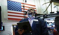 Investuotojai šluoja JAV obligacijas – ieško saugumo užuovėjos