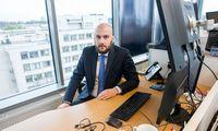 Biržos kyla, bet nerimas dėl recesijos nedingęs