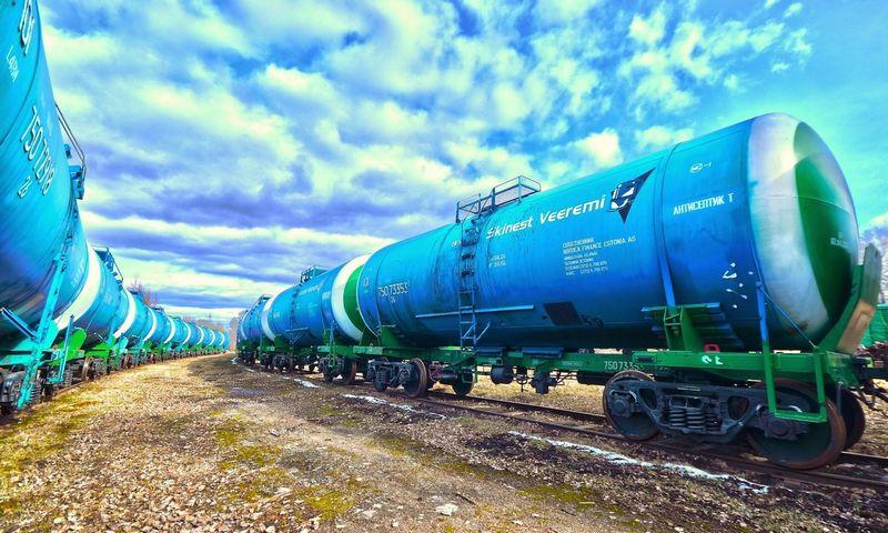 """Bendrovei """"Skinest Rail"""" daugiausiai pajamų atneša vagonų nuoma– jų bendrovė valdo apie 9.000 vnt., tarp kurių didesnę dalį sudaro cisternos naftos produktams gabenti."""