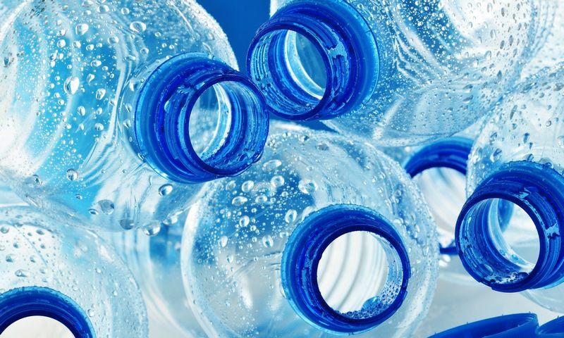 """Atsisakydamas vienkartinių plastikinių vandens buteliukų San Francisko oro uostas tikisi sumažinti į sąvartynus keliaujančių atliekų kiekį. """"Matton"""" nuotr."""