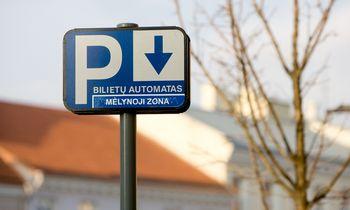 Vilnius svarsto pasiūlymą radikaliai pabranginti automobilų parkavimą
