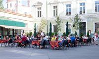 Premjeras: draudimas prekiauti alkoholiu lauko kavinėse gali būti peržiūrėtas