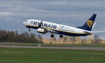 """""""Ryanair"""" iš Vilniaus skraidins į Londono Sautendo oro uostą"""