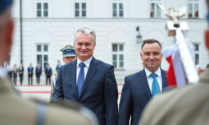 Lietuvos prezidentas Gitanas Nausėda liepos viduryje jau lankėsi Varšuvoje ir susitiko su Lenkijos prezidentu Andrzejumi Duda. Roberto Dačkaus (Prezidento kanceliarija) nuotr.