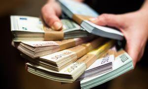 Investuotojai primokės už teisę palaikyti Lietuvos skolą