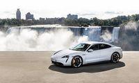 "Pristatytas pirmasis ""Porsche"" elektromobilis ""Taycan"""