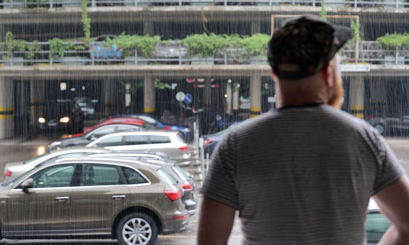 Mažiau taršių automobilių ieškantys fiziniai asmenys sulauks Vyriausybės paskatų. Vladimiro Ivanovo (VŽ) nuotr.