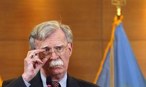 D. Trumpas atleido nacionalinio saugumo patarėją J. Boltoną