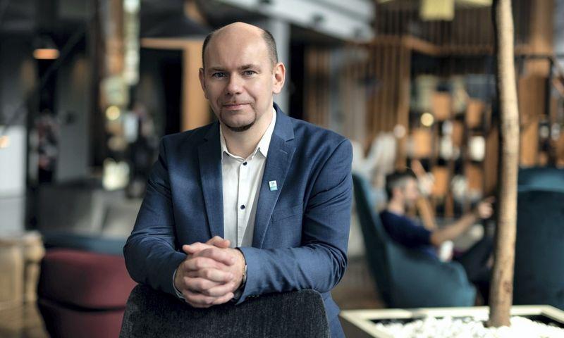 Ramūnas Liubertas, ESET Lietuva IT inžinierius, pabrėžia, kad už didelę įmonės apyvartą hakeriams kur kas vertingesni bendrovės sukaupti duomenys. Ryčio Galadausko nuotr.