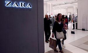 """Taškuota suknelė padėjo """"Zarai"""" pasiekti prekybos tikslus"""