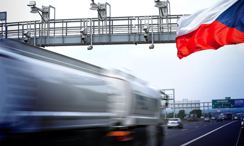 """Čekijoje numatomi kelių mokesčio rinkliavos pakeitimai. """"DKV Euro Service"""" nuotr."""