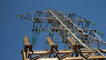 """""""Litgrid"""" nutraukė linijos tarp Elektrėnų ir Alytaus rekonstrukcijos konkursą"""