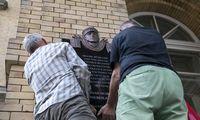 Policija tyrimo dėl J. Noreikos lentos nepradės –perdavė informaciją paveldosaugininkams
