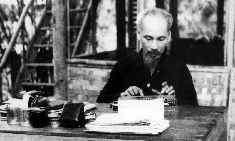 "Šiaurės Vietnamo prezidentas Ho Ši Minas, 1950 m. ""Vietnam News Agency"" / AFP / ""Scanpix"" nuotr."