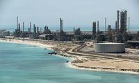 Saudo Arabija po atakų neteko pusę naftos gavybos pajėgumų